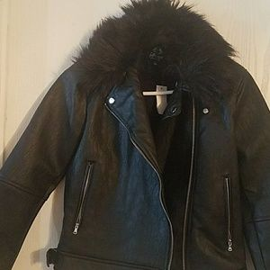 Beautiful Black Jacket with Fur Trim Juniors Small